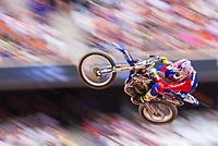 """São Paulo, SP, 15.12.2018 - MONSTER-JAM<br /> Freestyle Motocross durante Monster Jam na Arena Corinthians, zona leste de São Paulo (SP), nesta sexta (15). Participam do evento veículos conhecidos como """"Big Foot"""", que são customizados para esse tipo de competição e conseguem fazer manobras radicais, por conta dos pneus especiais que podem chegar a mais de 1 metro de altura. (Foto: Anderson Lira/Brazil Photo Press)"""