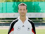 Fussball INTERNATIONAL EURO 2004 Nationalmannschaft ; DFB ; Deutschland, FOTOTERMIN    Fredi Bobic