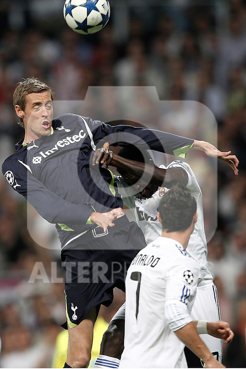 Tottenham's Peter Crouch during Champions League match on April, 5th 2011...Photo: Cesar Cebolla / ALFAQUI