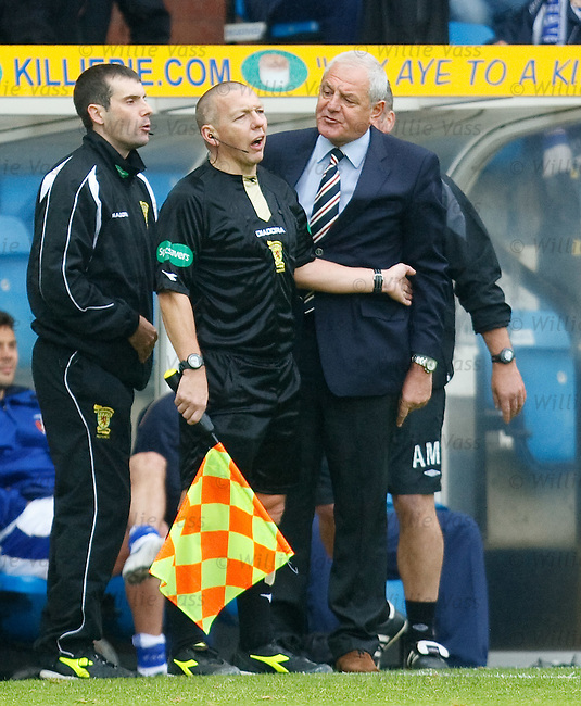 Walter Smith has a go at the officials