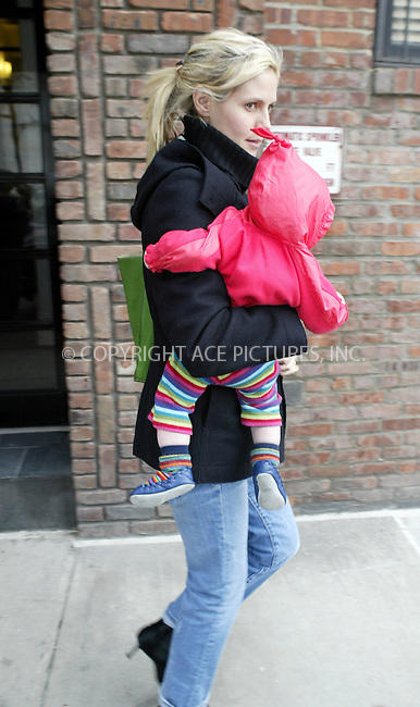 WWW.ACEPIXS.COM . . . . .  ....NEW YORK, MARCH 25, 2005....Heidi Klum heads out of her West Village home with little baby Leni.....Please byline: Ian Wingfield - ACE PICTURES..... *** ***..Ace Pictures, Inc:  ..Craig Ashby (212) 243-8787..e-mail: picturedesk@acepixs.com..web: http://www.acepixs.com