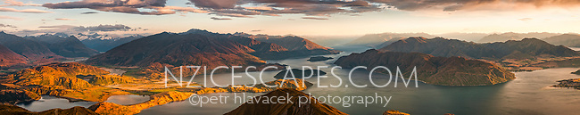 Sunrise over Lake Wanaka as seen from Roys Peak 1578m, Central Otago, New Zealand