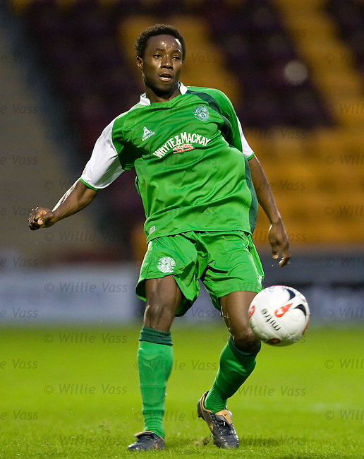 Thierry Gathuessi, Hibs