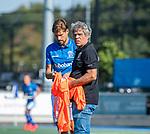 UTRECHT - assistent-coach Alex Verga (Kampong) met Bjorn Kellerman (Kampong)   tijdens de hoofdklasse competitiewedstrijd mannen, Kampong-Bloemendaal (2-2) . COPYRIGHT   KOEN SUYK