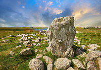 Prehistoric Steinacleit Standing Stones, with a stone circle of a burial mount, date unknown but anywhere between 1500-3000BC, Lewis, Outer Hebrides, Scotland