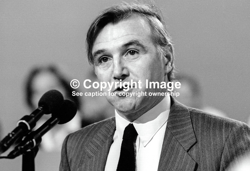 Malcolm Bruce, MP, Liberal Party, UK, speaking at annual conference.19860935MB2<br />