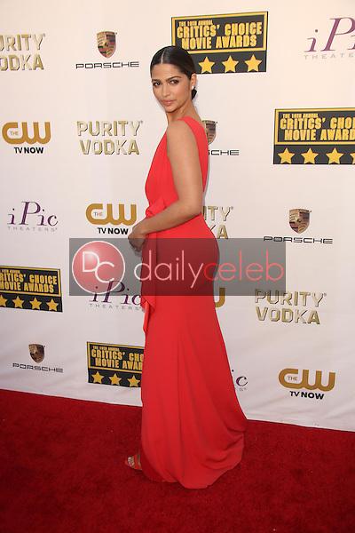 Camila Alves<br /> at the 19th Annual Critic's Choice Movie Awards Arrivals, Barker Hangar, Santa Monica, CA 01-16-14<br /> David Edwards/DailyCeleb.Com 818-249-4998