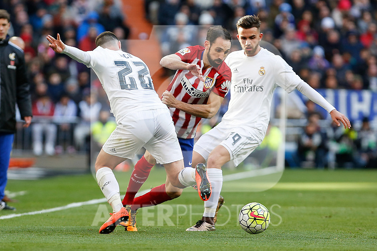 Real Madrid´s /Mayoral (R) and Atletico de Madrid´s Juanfran during 2015/16 La Liga match between Real Madrid and Atletico de Madrid at Santiago Bernabeu stadium in Madrid, Spain. February 27, 2016. (ALTERPHOTOS/Victor Blanco)