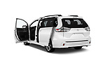 Car images close up view of a 2018 Toyota Sienna SE 5 Door Mini Van doors