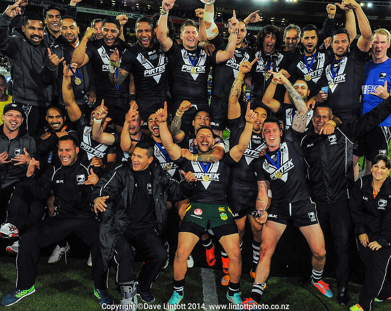 The Kiwis celebrate winning the Four Nations rugby league final between the NZ Kiwis and Australia Kangaroos at Westpac Stadium, Wellington on Saturday, 15 November 2014. Photo: Dave Lintott / lintottphoto.co.nz