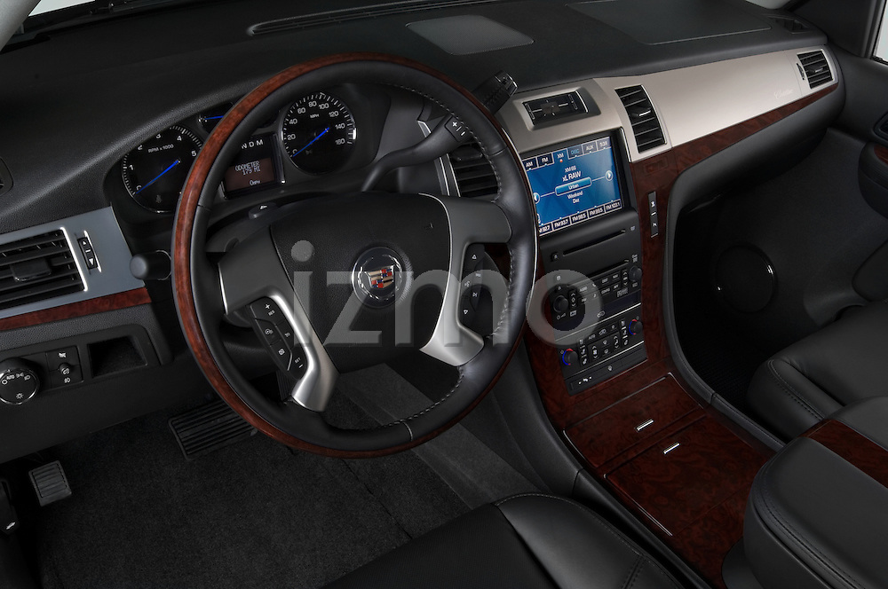 High angle dashboard view of a 2007 Cadillac Escalade EXT
