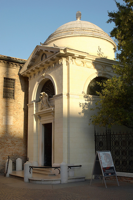 The Tomb Of Dante, Ravenna, Emilia Romagna, Italy.