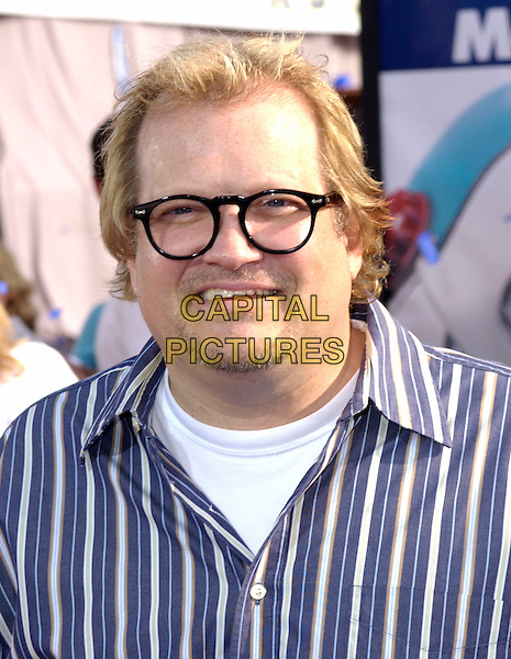 "DREW CAREY.The Twentieth Century Fox's Los Angeles Premiere of ""Robots"" held at The Mann Village Theatre in Westwood, California .March 6th, 2005.headshot portrait glasses goatee facial hair.www.capitalpictures.com.sales@capitalpictures.com.Supplied By Capital PIctures"