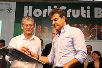 CURITIBA, PR, 08.05.2014 -  HORTIFRUTI 2014 / CURITIBA -  O governador Beto Richa na manhã desta quinta-feira (08) durante o assinatura do documento na abertura da HortiFruti Brasil Show 2014, evento no Ceasa Curitiba.Foto: Paulo Lisboa / Brazil Photo Press)