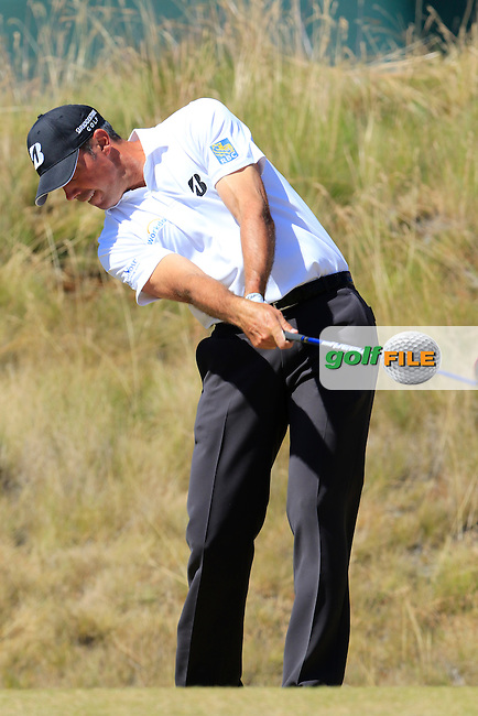 Matt Kuchar (USA) tees off the 6th tee during Friday's Round 2 of the 2015 U.S. Open 115th National Championship held at Chambers Bay, Seattle, Washington, USA. 6/19/2015.<br /> Picture: Golffile | Eoin Clarke<br /> <br /> <br /> <br /> <br /> All photo usage must carry mandatory copyright credit (&copy; Golffile | Eoin Clarke)