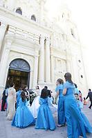 Semana a Semana parejas j—venes deciden unir sus vidas en matrimonio en Catedral de Hermosillo como  Paty Moreno que esta apunto de casare con  Francisco Mendoza.