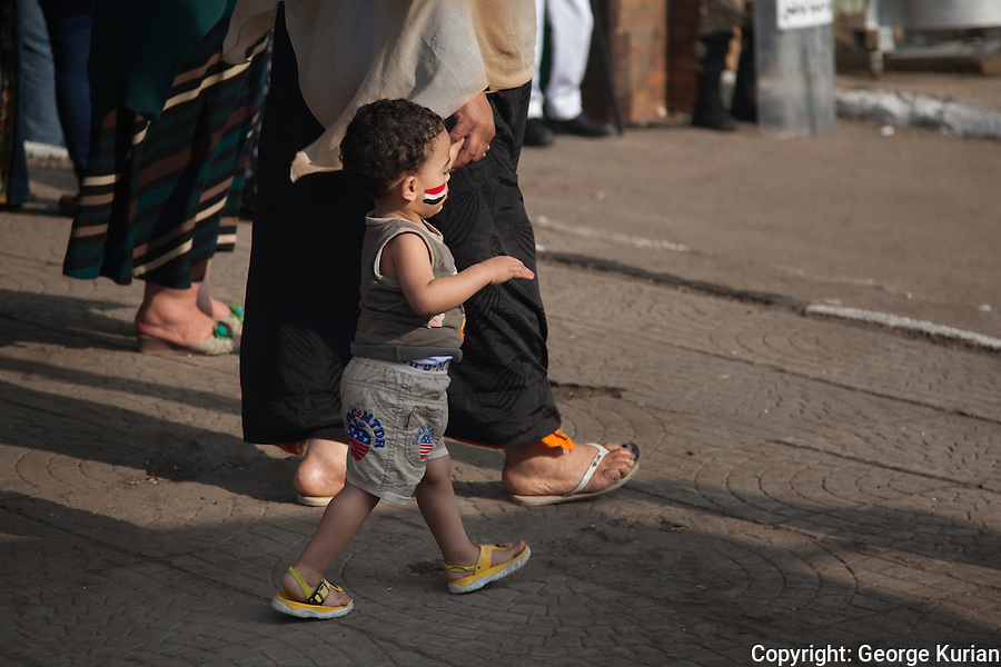 Scenes outside a polling station in Shubra, Cairo<br />