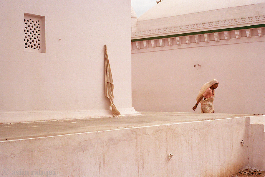 Devotee at a local Sufi shrine