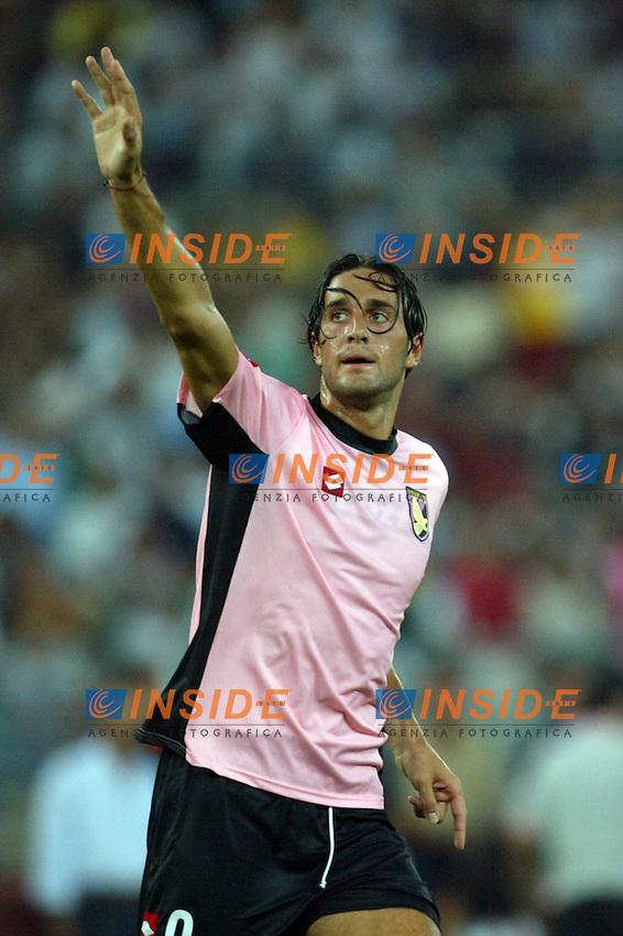 Bari 3/8/2004 Trofeo Birra Moretti - Juventus Inter Palermo. <br /> <br /> Nella foto Luca Toni (Palermo)<br /> <br /> Risultati / results (gare da 45 min. each game 45 min.) <br /> <br /> Juventus - Inter 1-0 Palermo - Inter 2-1 Juventus b. Palermo dopo/after shoot out <br /> <br /> Photo GPS Insidefoto