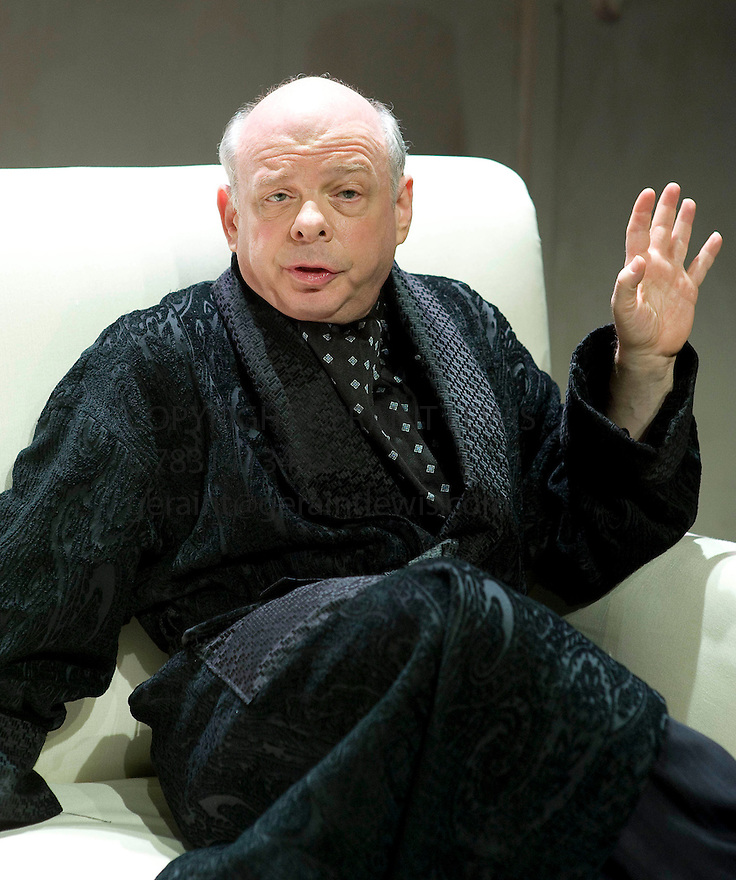 Grasses of a Thousands Colours,by Wallace Shawn, directed by  Andre Gregory.With Wallace Shawn as The Memorist[Ben].Opens  at The Jerwood Theatre Upstairs at The Royal Court Theatre, London 18/5/09 CREDIT Geraint Lewis
