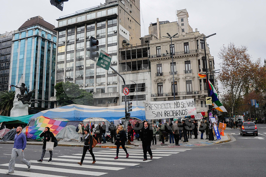 "Originary people continue camping in Avenida de Mayo and 9 de Julio, a central intersection in Buenos Aires. The camp, named ""Qopiwini"" (short for Qom Pilaga Wichi Nivacle, the four ethnic groups that hold the protest), has been there continuously for over 130 days, with frequent blockades of both avenues, the last of which was suppressed by the police. They demand improvements in health and education for their communities and denounce persecution by Governor Gildo Insfran government."