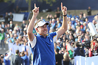 Ian Poulter (Team Europe) celebrates with the gallery on the 18th during Sunday's Singles, at the Ryder Cup, Le Golf National, Île-de-France, France. 30/09/2018.<br /> Picture David Lloyd / Golffile.ie<br /> <br /> All photo usage must carry mandatory copyright credit (© Golffile | David Lloyd)