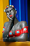 Artesanato. Busto de mulher. Foto de Vinicius Romanini.