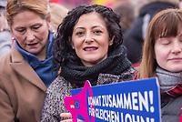 """Kundgebung des Deutschen Gewerkschaftsbund (DGB), des Sozialverbands Deutschland (SovD) und Deutscher Frauenrats am Montag den 18. Maerz 2019 in Berlin zum """"Equal PayDay"""".<br /> Der Equal PayDay (EPD), der internationale Aktionstag fuer Lohngleichheit zwischen Frauen und Maennern, macht auf die bestehende Ungerechtigkeit in der Bezahlung von Frauen gegenueber Maennern aufmerksam und wird in zahlreichen Laendern an unterschiedlichen Tagen begangen. In Deutschland markiert der Aktionstag symbolisch die Lohnluecke zwischen Frauen und Maennern. Die durchschnittliche Lohndifferenz von 21Prozent entspricht einem Zeitraum von 77 Kalendertagen im Jahr.<br /> An der Kundgebung des DGB nahmen etliche Politikerinnen und Politiker teil.<br /> Im Bild: Cansel Kiziltepe, Bundestagsabgeordnete der SPD<br /> 18.3.2019, Berlin<br /> Copyright: Christian-Ditsch.de<br /> [Inhaltsveraendernde Manipulation des Fotos nur nach ausdruecklicher Genehmigung des Fotografen. Vereinbarungen ueber Abtretung von Persoenlichkeitsrechten/Model Release der abgebildeten Person/Personen liegen nicht vor. NO MODEL RELEASE! Nur fuer Redaktionelle Zwecke. Don't publish without copyright Christian-Ditsch.de, Veroeffentlichung nur mit Fotografennennung, sowie gegen Honorar, MwSt. und Beleg. Konto: I N G - D i B a, IBAN DE58500105175400192269, BIC INGDDEFFXXX, Kontakt: post@christian-ditsch.de<br /> Bei der Bearbeitung der Dateiinformationen darf die Urheberkennzeichnung in den EXIF- und  IPTC-Daten nicht entfernt werden, diese sind in digitalen Medien nach §95c UrhG rechtlich geschuetzt. Der Urhebervermerk wird gemaess §13 UrhG verlangt.]"""