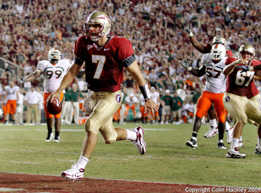 TALLAHASSEE, FL 9/7/09-FSU-MIAMIFB09 CH30-Florida State's Christian Ponder trots into the endzonoe for a touchdown against Miami's during second half action Monday at Doak Campbell Stadium in Tallahassee. The Seminoles lost to the Hurricanes 38-34...COLIN HACKLEY PHOTO