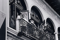 Janary and February 1986 were memorable days in the Philippines. The fall of dictator Ferdinand Marcos and the rise of the first so called democraticly chosen President Cory Aquino. Helped by the massive public support of People Power. The very last day of Marcos. Singing on the balcony of the palace. They flew out on an American helicopter at the evening. His troops had disappeared.