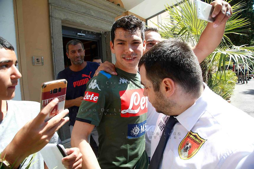 L'arrivo di Hirving Lozano, neo acquisto del Napoli, al suo arrivo alla Clinica Villa Stuart per le visitew mediche