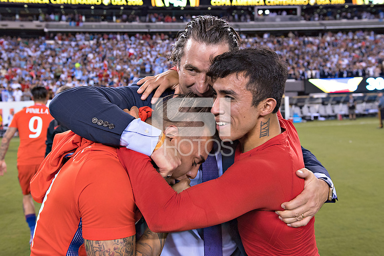 Action photo during the match Argentina vs Chile, Corresponding to Great Final of the America Centenary Cup 2016 at Metlife Stadium, East Rutherford, New Jersey.<br /> <br /> <br /> Foto de accion durante el partido Argentina vs Chile, correspondiente a la Gran Final de la Copa America Centenario 2016 en el  Metlife Stadium, East Rutherford, Nueva Jersey, en la foto: Juan Anronio Pizzi, Eduardo Vargas y Edson Puch  de Chile<br /> <br /> <br /> 26/06/2016/MEXSPORT/David Leah.