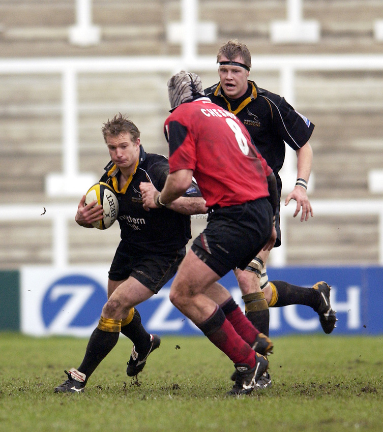 Photo. Jed Wee.Newcastle Falcons v Saracens, Parker Pen Challenge Cup, Kingston Park, Newcastle. 19/01/2003..Newcastle's Jamie Noon (L).