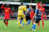 ASSEN - Voetbal, ACV - Magreb 90, derde divisie zaterdag, seizoen 2017-2018, 25-08-2017 doelman Mounir Ouaj onderschept een voorzet ACV speler Marcel Seip en ACV speler Guus de Vries komen te laat