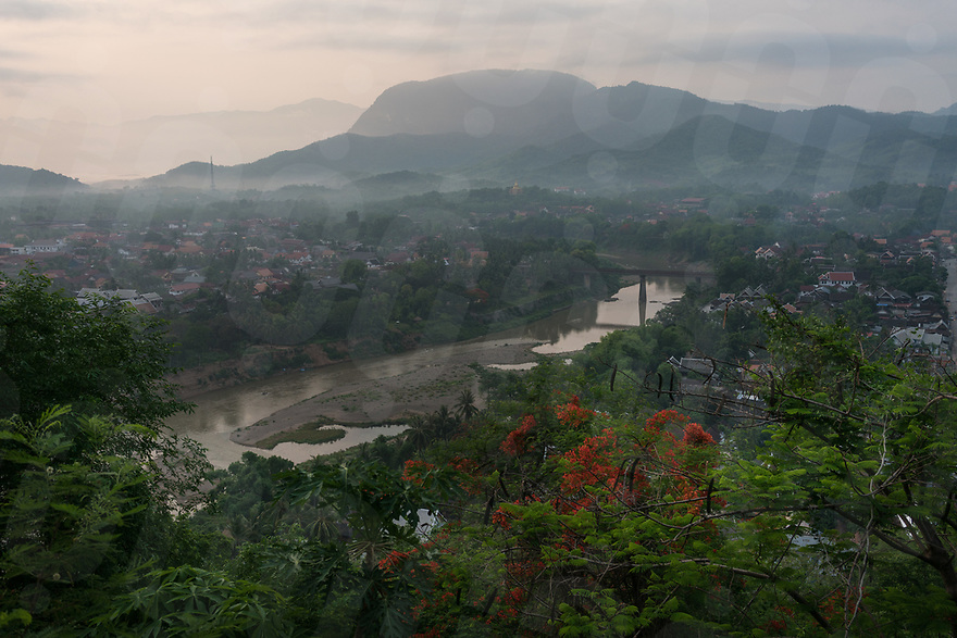 May 07, 2017 - Luang Prabang (Laos). A sunrise view of the Nam Khan river from Mount Phousi. © Thomas Cristofoletti / Ruom