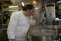Europe/Italie/Trentin Haut-Adige/Dolomites/Alta Badia/ San Cassiano: Restaurant St Hubertus à l'Hotel Rosa Alpina le Chef Norbert Niederkofler