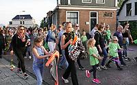 Nederland Zaandam - 2019. Laatste dag van de Avondvierdaagse. Veel ouders lopen het laatste stuk mee.    Foto mag niet in negatieve / schadelijke context gepubliceerd worden. Foto Berlinda van Dam / Hollandse Hoogte