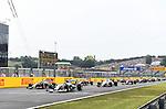 F1 Race Start - Sebastian Vettel (GER), Red Bull Racing - Nico Rosberg (GER), Mercedes GP<br />  Foto © nph / Mathis