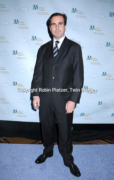 Bob Woodruff.posing for photographers at The 2008 Matrix Awards on .April 7, 2008 at The Waldorf Astoria Hotel in New York. Susan Gianinno, Anna Deavere Smith, Robin Roberts, Ruth Reichl, Linda Greenhouse, Joannie Danielides, Anne Sweeney and Diane Von Furstenberg were the honorees. ..Robin Platzer, Twin Images