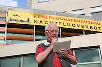 07.06.2016: Mahnwache der Flughafengegner am Rathaus Walldorf
