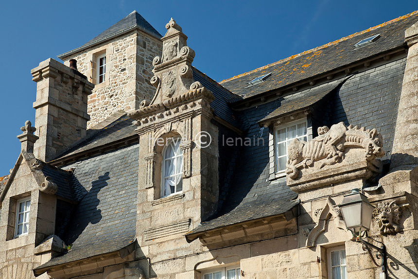 France, Finistère (29), Roscoff, la maison Gaillard,  façade sculptée // France, Finistere, Roscoff, the Gaillard's house, sculptured facade