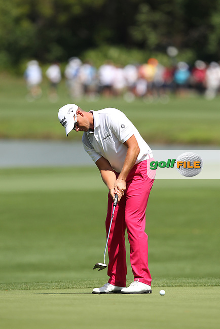 Henrik Stenson of Sweden putts on the 3rd green during the 3rd round of the Valspar Championship, Innisbrook Resort (Copperhead), Palm Harbor, Florida, USA<br /> Picture: Peter Mulhy / Golffile