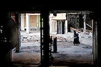 Syria, Deir az-Zor, 2013/03/20..Through Shara al-Am (main Street) of embattled Deir az-Zor..Syrie, Deir ez-Zor, 20/03/2013.Vue sur la rue principale Shara al-AM dans la ville de Dei ez-Zor assiégée..Photo: Timo Vogt / Est&Ost Photography.