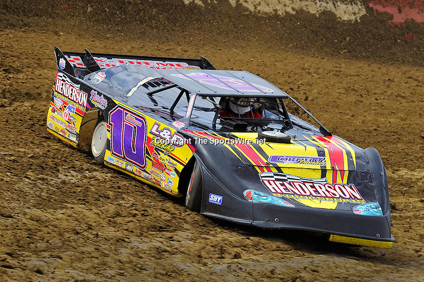 Feb 06, 2010; 12:53:11 PM; Gibsonton, FL., USA; The Lucas Oil Dirt Late Model Racing Series running The 34th Annual Dart WinterNationals at East Bay Raceway Park.  Mandatory Credit: (thesportswire.net)