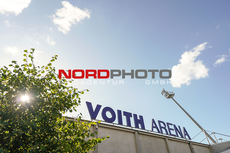 Voith Arena Heidenheim Schriftzug<br /> <br /> <br /> Sport: nphgm001: Fussball: 1. Bundesliga: Saison 19/20: Relegation 02; 1.FC Heidenheim vs SV Werder Bremen - 06.07.2020<br /> <br /> Foto: gumzmedia/nordphoto/POOL <br /> <br /> DFL regulations prohibit any use of photographs as image sequences and/or quasi-video.<br /> EDITORIAL USE ONLY<br /> National and international News-Agencies OUT.