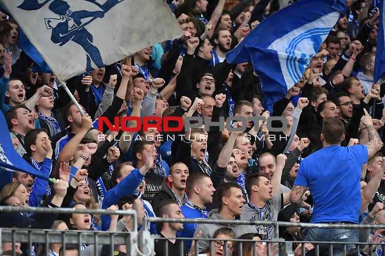 28.04.2017, BayArena, Leverkusen , GER, 1.FBL., Bayer Leverkusen 04 vs. FC Schalke 04<br /> im Bild / picture shows: <br /> Fans, freundlich, Stimmung, farbenfroh, Nationalfarbe, geschminkt, Emotionen, Jubel Torfreude <br /> <br /> <br /> <br /> Foto &copy; nordphoto / Meuter