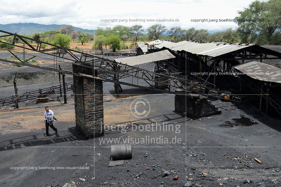 ZAMBIA, Sinazese, chinese owned Collum Coal Mine, underground mining of hard coal for copper melter and cement factory /SAMBIA, Collum Coal Mine eines chinesischem Unternehmens, Untertageabbau von Steinkohle