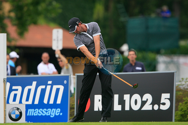 Scott Jamieson (SCO) tees off on the 10th tee off during Day 2 of the BMW Italian Open at Royal Park I Roveri, Turin, Italy, 10th June 2011 (Photo Eoin Clarke/Golffile 2011)
