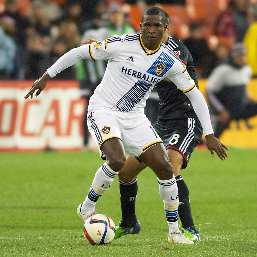 LA's Edson Buddle controls the ball. DC United defeated the LA Galaxy 1-0 with a stoppage time goal from Chris Pontius at RFK Stadium in Washington DC.