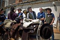 I mandriani nella masseria della famiglia Colantuono, prima di partire per la transumanza..The cowboys prepare to lead the Colantuono family's herd toward a cooler climate.